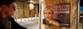 Das Wahlprogramm steht, die Plakate hängen: Marine Le Pen geht als Favoritin in die erste Wahlrunde.