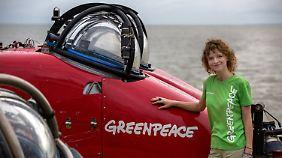 Meeresbiologin Sandra Schöttner erforscht für Greenpeace das Riff.