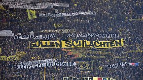 04.02.2017, xjhx, Fussball 1.Bundesliga, Borussia Dortmund - RB Leipzig, emspor, v.l. Anti RB Leipzig Mateschitz, Sportdirektor Ralf Rangnick (RB Leipzig) Plakate Proteste, Protest, Burnout Dortmund  04 02 2017 xJHx Football 1 Bundesliga Borussia Dortmund RB Leipzig emspor v l Anti RB Leipzig Mateschitz Sports Director Ralf Rank Nick RB Leipzig Posters Protests Protest Burnout Dortmund