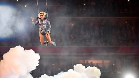 Lady Gaga performs during the halftime show at Super Bowl LI at NRG Stadium in Houston on February 5, 2017. PUBLICATIONxINxGERxSUIxAUTxHUNxONLY SBP201702061059 KEVINxDIETSCH  Lady Gaga performs during The Half Time Show AT Super Bowl left AT NRG Stage in Houston ON February 5 2017 PUBLICATIONxINxGERxSUIxAUTxHUNxONLY  KEVINxDIETSCH