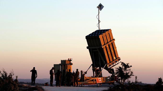 """Hightech-Schutzschirm gegen anfliegende Raketen: Eine Einheit des Abwehrsystems """"Iron Dome"""" (Archivbild)."""