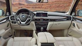 Mit reichlich aufpreispflichtiger Ausstattung bietet der BMW X5 einen sehr angenehmen Arbeitsplatz.
