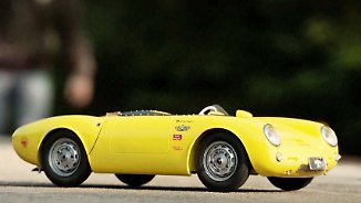 Täuschend echt: Modellbauer bauen Lieblingsauto originalgetreu nach