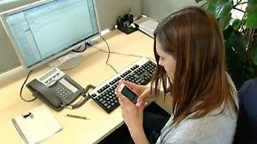 Private Handynutzung: WhatsApp am Arbeitsplatz - was ist erlaubt?