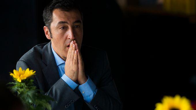 Schwierige Zeiten: 2013 schnitten die Grünen bei der Bundestagswahl nicht nur schlecht ab. Schwarz-Grün-Befürworter Cem Özdemir musste auch noch mitansehen, wie die Grünen die Chance zum Mitregieren verstreichen ließen.
