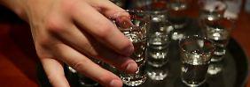 Studie zum Trinkverhalten: Eltern sind bei Alkoholkonsum Vorbilder