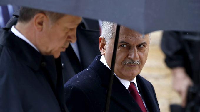 Für die geplante Verfassungsänderung: Staatspräsident Erdogan und sein Ministerpräsident Yildirim.
