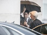 Christine Lagarde auf dem Weg zu Angela Merkel.