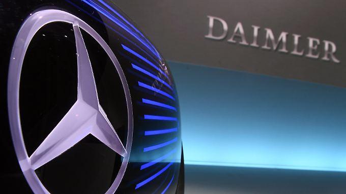 Deutsche Konzerne wie Daimler investieren in Start-ups - noch gehen sie dabei aber sehr vorsichtig vor.