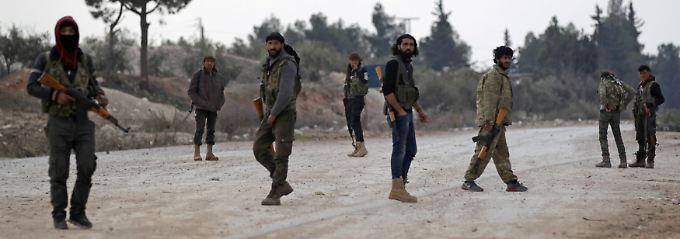 Syrische Rebellen melden die Einnahme der IS-Hochburg Al-Bab.