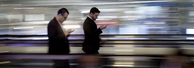 Smartphone auf neuestem Stand: Verbraucher sind bereit mehr auszugeben