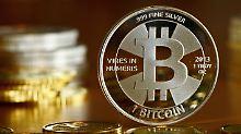 Bitcoin ist eine Digitalwährung, die durch Rechenprozesse erzeugt wird.