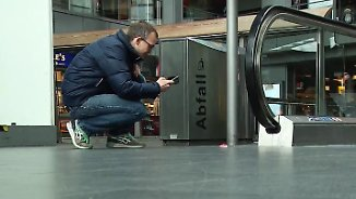 Meldung per WhatsApp: Bahnreisende können in Berlin Müllpolizei spielen