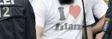 Zwei Mitarbeiter suspendiert: Salafismus-Berater sollen Extremisten sein