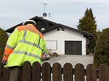 Schwerverletzte im Krankenhaus: Polizei findet zwei Tote in Einfamilienhaus