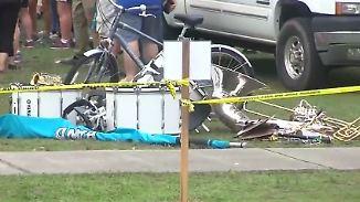 Zwölf Verletzte in Alabama: 73-jähriger Autofahrer rast in Karnevalsparade