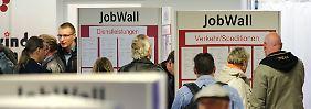 """""""Nachfrage auf hohem Niveau"""": Arbeitslosigkeit geht im Februar zurück"""