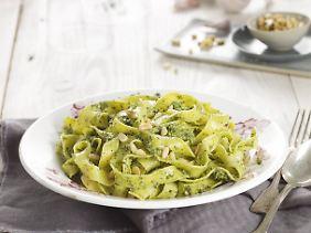 Ein einfaches, aber köstliches Mahl: Pasta mit Pesto.