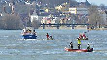 Nicht mehr auffindbar: Auto versinkt in der Donau