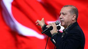 Nazi-Vergleich im Minister-Streit: Erdogan löst Empörung in Berlin aus