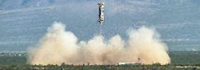 Bezos gewinnt Kunden: Amazon-Boss startet Raketen-Firma
