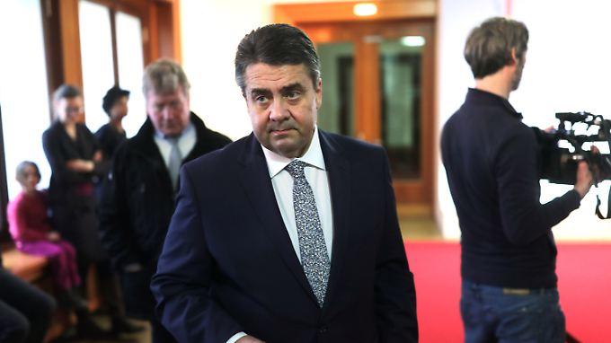 Sigmar Gabriel ist sichtlich erbost, betont aber auch die Freundschaft zwischen Deutschland und der Türkei.