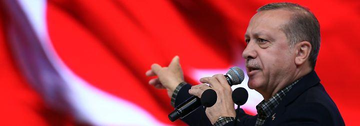 Verbaler Angriff auf Merkel: Erdogan gießt weiter Öl ins Feuer