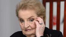 Madeleine Albright ist sauer auf den Präsidenten.