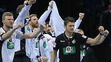 Christian Prokop ist nach zwei Spielen in seiner neuen Rolle als Bundestrainer zufrieden. Das mit dem Siegen hat er für den Mai fest eingeplant.