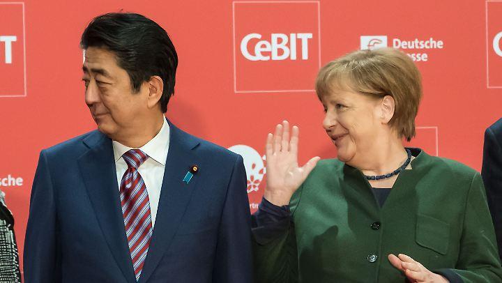 Gute Freunde, die gerne ein Freihandelsabkommen hätten: der japanische Premier Shinzo Abe und Kanzlerin Angela Merkel.