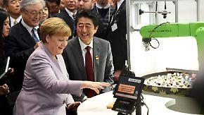 Cebit in Hannover eröffnet: Merkel betont Wichtigkeit der globalen Digitalisierung