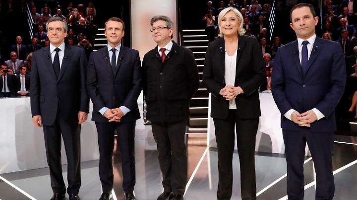 Der konservative Kandidat François Fillon (v.l.n.r.), der unabhängige Bewerber Emmanuel Macron, der Linkspolitiker Jean-Luc-Mélenchon, die Rechtspopulistin Marine Le Pen und der Sozialist Benoît Hamon treten bei der Präsidentschaftswahl an.