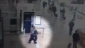 Schrecksekunden an Pariser Flughafen: Überwachungsvideo zeigt Orly-Angreifer