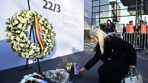 Andacht und Zuversicht: Brüssel schweigt und singt zu Ehren der Opfer