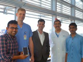 Das Team hat den Fruchtbarkeitstest entwickelt: Manoj Kumar Kanakasabapathy, Charles Bormann, Hadi Shafiee, John Petrozza und Prudhvi Thirumalaraju (v.l.)