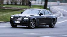 Black is beautiful: So will Rolls-Royce extravagante und leistungsorientierte Kunden gewinnen.