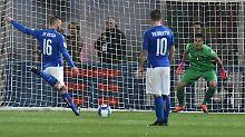 Daniele de Rossi brachte die Italiener mit seinem verwandelten Elfmeter in Führung.