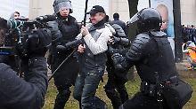 Hunderte Festnahmen in Minsk: Lukaschenko greift hart durch