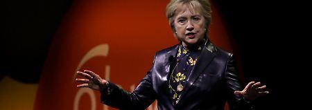 """""""Schadet Land und Menschen"""": Clinton zerpflückt Trumps Politik"""