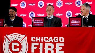 WM-Titel mit Chicago?: Reporter blamiert sich bei Schweinsteiger-Vorstellung