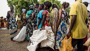 Gräueltaten im Südsudan: Zehntausende fliehen vor Kugeln der Regierung