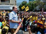 Oppositionsführer Borges spricht bei einer der vielen Demonstrationen in Caracas vor Regierungsgegnern.