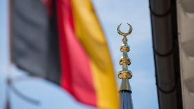 Umstrittenes Wahlkampfthema: CDU-Vize Klöckner fordert Islamgesetz