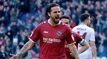 Bielefeld siegt dank Joker Klos: H96 stürmt an die Spitze, Slomka unter Druck