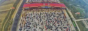 Stau, Kung Fu, Schrottplätze: China von oben