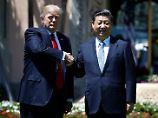 """Donald Trump und Xi Jinping führen eine """"herausragende Beziehung"""" - behauptet jedenfalls der US-Präsident."""