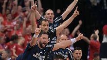 Nordkrimi um Handball-Pokal: Flensburg folgt THW Kiel ins Traumfinale