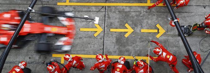Wenig später holte er sich noch einmal neue Reifen und reihte sich auf Rang drei hinter Räikkönen ein.
