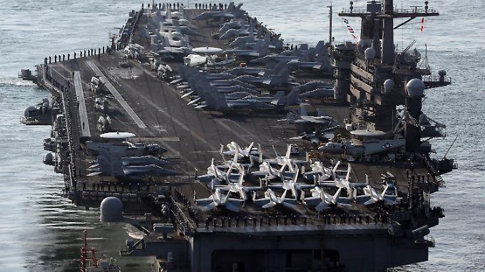 """Die """"USS Carl Vinson"""" kann bis zu 90 Flugzeuge und Hubschrauber transportieren."""