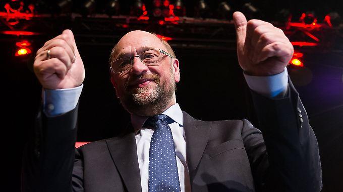 Daumen hoch für die SPD: Sie kann bei der aktuellen Forsa-Umfrage einen Prozentpunkt gut machen.